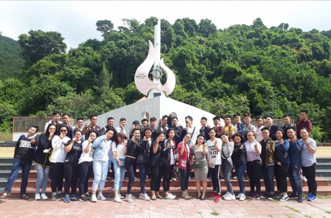 Hoạt động thực tập hướng dẫn tour Nha Trang - Đà Lạt của lớp HDDLK9-CS và HDDLK10-CS ở Khu di tích lịch sử Tàu không số Vũng Rô