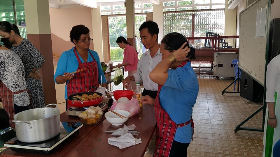 Phòng QTTB – CSVC tham gia hội thi nấu ăn mừng ngày 20/10